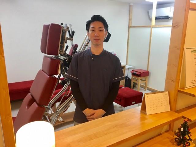 ご来院下さいの院長画像。千葉県柏市で整体院をお探しなら宮田カイロプラクティック!
