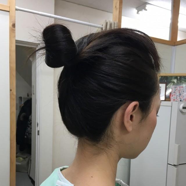 髪の毛の結び方。柏市で整体なら宮田カイロプラクティックにお任せください。