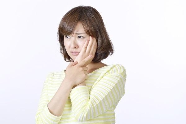 三叉神経痛の人画像。千葉県柏市で整体院をお探しなら宮田カイロプラクティック!