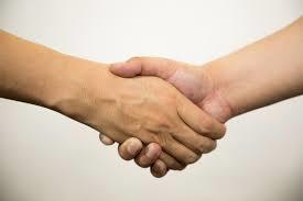 握手画像。千葉県柏市で整体院をお探しなら宮田カイロプラクティック!