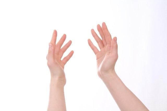 手のしびれ(肩・肘・手首・手の指) 画像。千葉県柏市で整体院をお探しなら宮田カイロプラクティック!